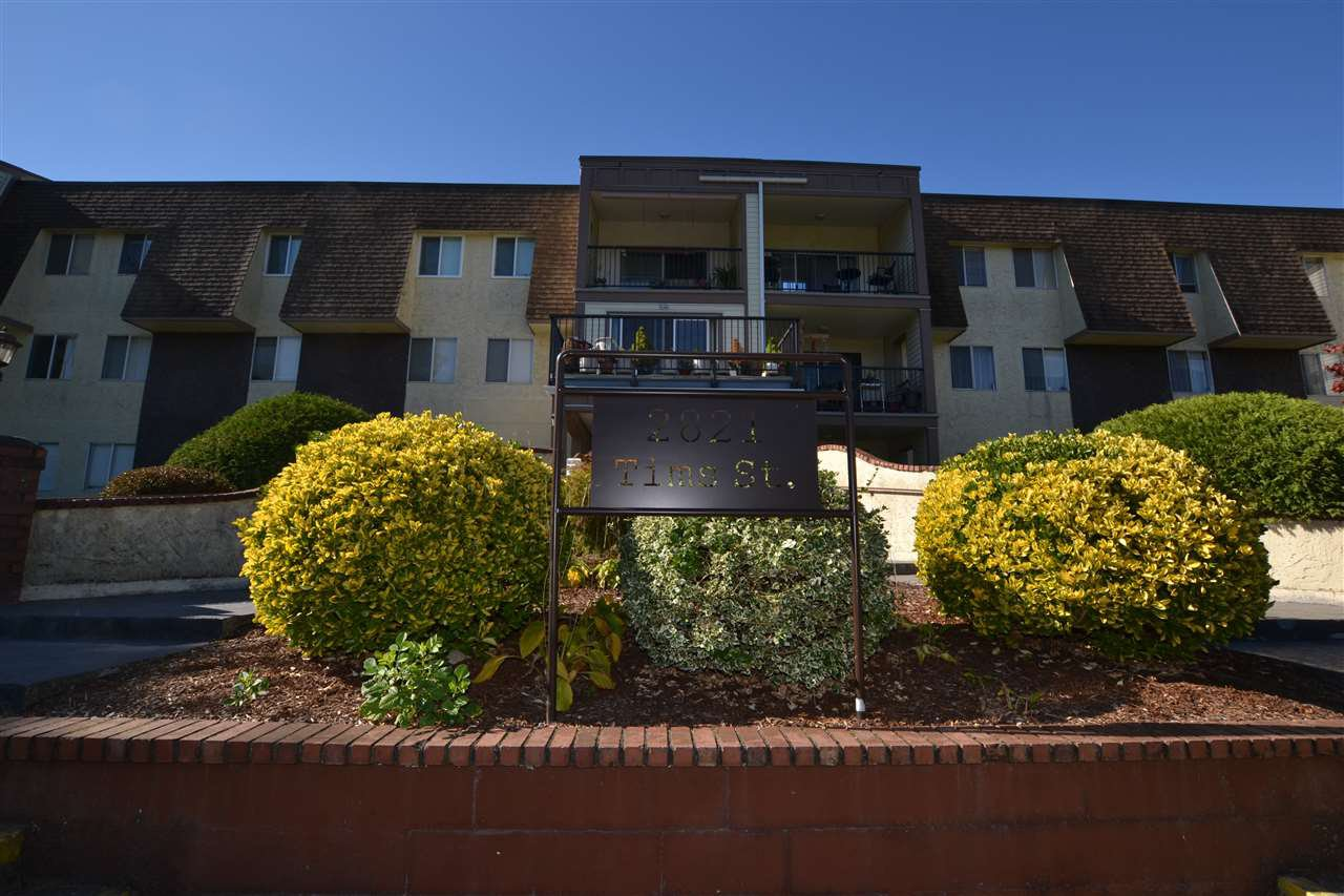 "Main Photo: 120 2821 TIMS Street in Abbotsford: Abbotsford West Condo for sale in ""Parkview Estates"" : MLS®# R2115945"