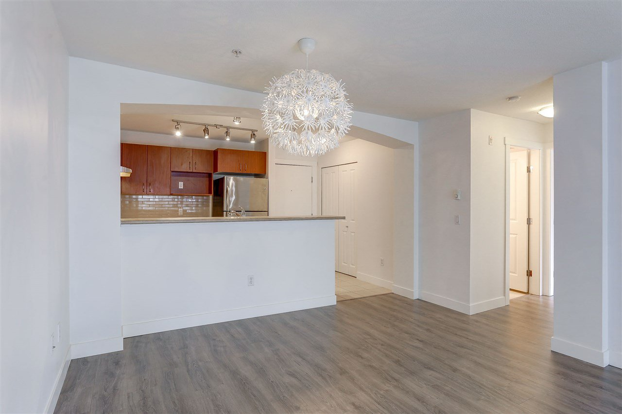 Photo 7: Photos: 301 9098 HALSTON Court in Burnaby: Government Road Condo for sale (Burnaby North)  : MLS®# R2138528