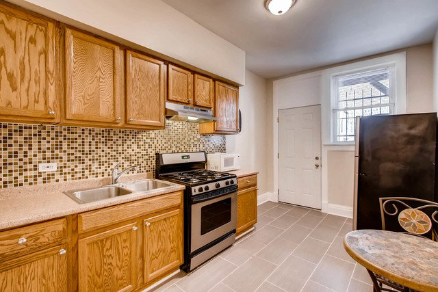Photo 4: Photos: 4358 Washington Boulevard Unit 203 in CHICAGO: CHI - West Garfield Park Condo, Co-op, Townhome for sale ()  : MLS®# 09702969