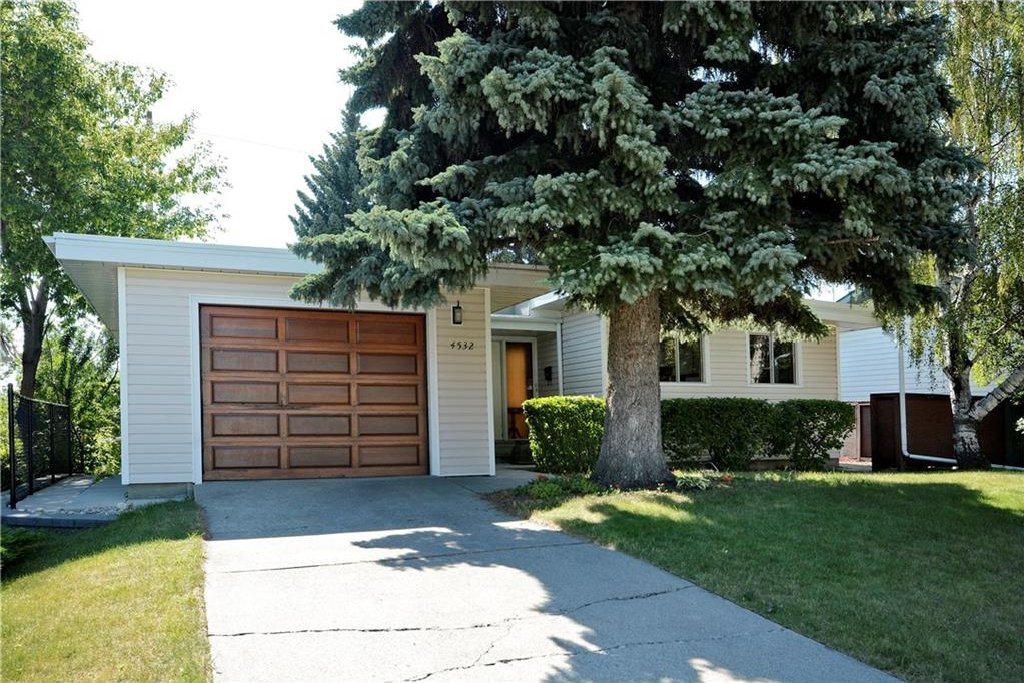 Photo 1: Photos: 4532 NAMAKA Crescent NW in Calgary: North Haven House for sale : MLS®# C4129972