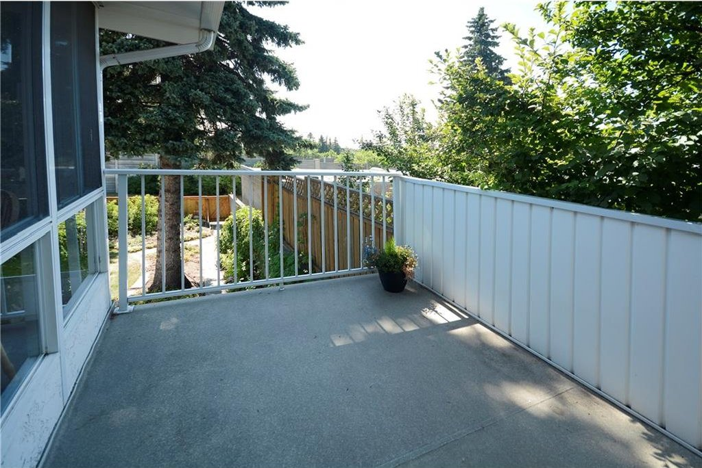 Photo 13: Photos: 4532 NAMAKA Crescent NW in Calgary: North Haven House for sale : MLS®# C4129972