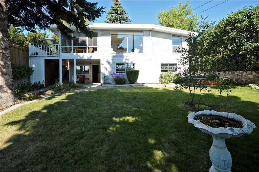 Photo 37: Photos: 4532 NAMAKA Crescent NW in Calgary: North Haven House for sale : MLS®# C4129972