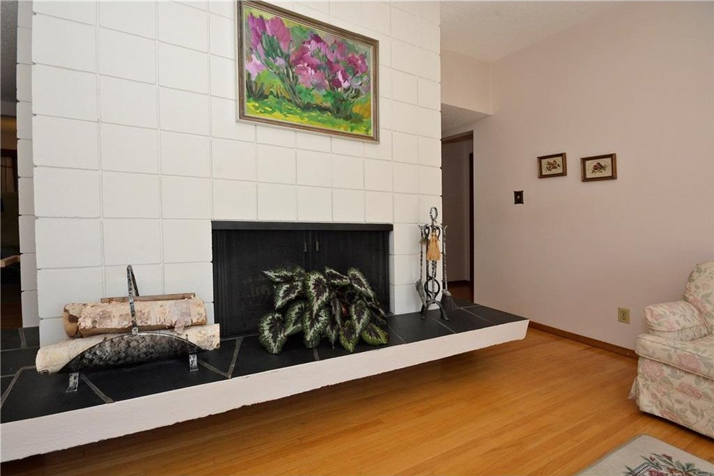 Photo 9: Photos: 4532 NAMAKA Crescent NW in Calgary: North Haven House for sale : MLS®# C4129972