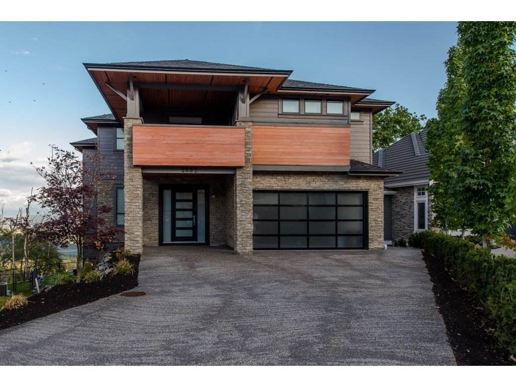 "Main Photo: 2682 AQUILA Drive in Abbotsford: Abbotsford East House for sale in ""EAGLE MOUNTAIN"" : MLS®# R2213626"