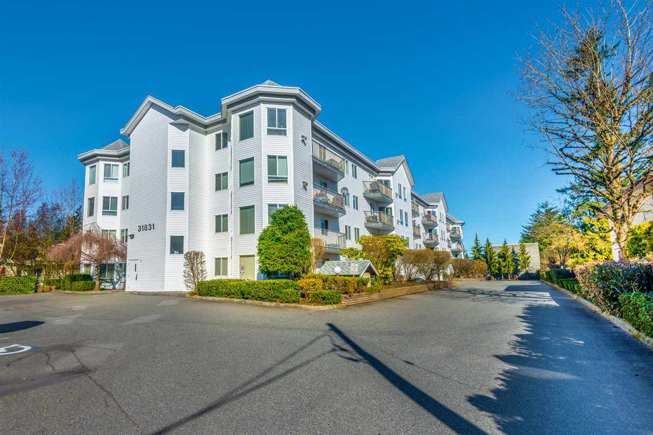 "Main Photo: 410 31831 PEARDONVILLE Road in Abbotsford: Abbotsford West Condo for sale in ""WEST POINT VILLA"" : MLS®# R2250619"