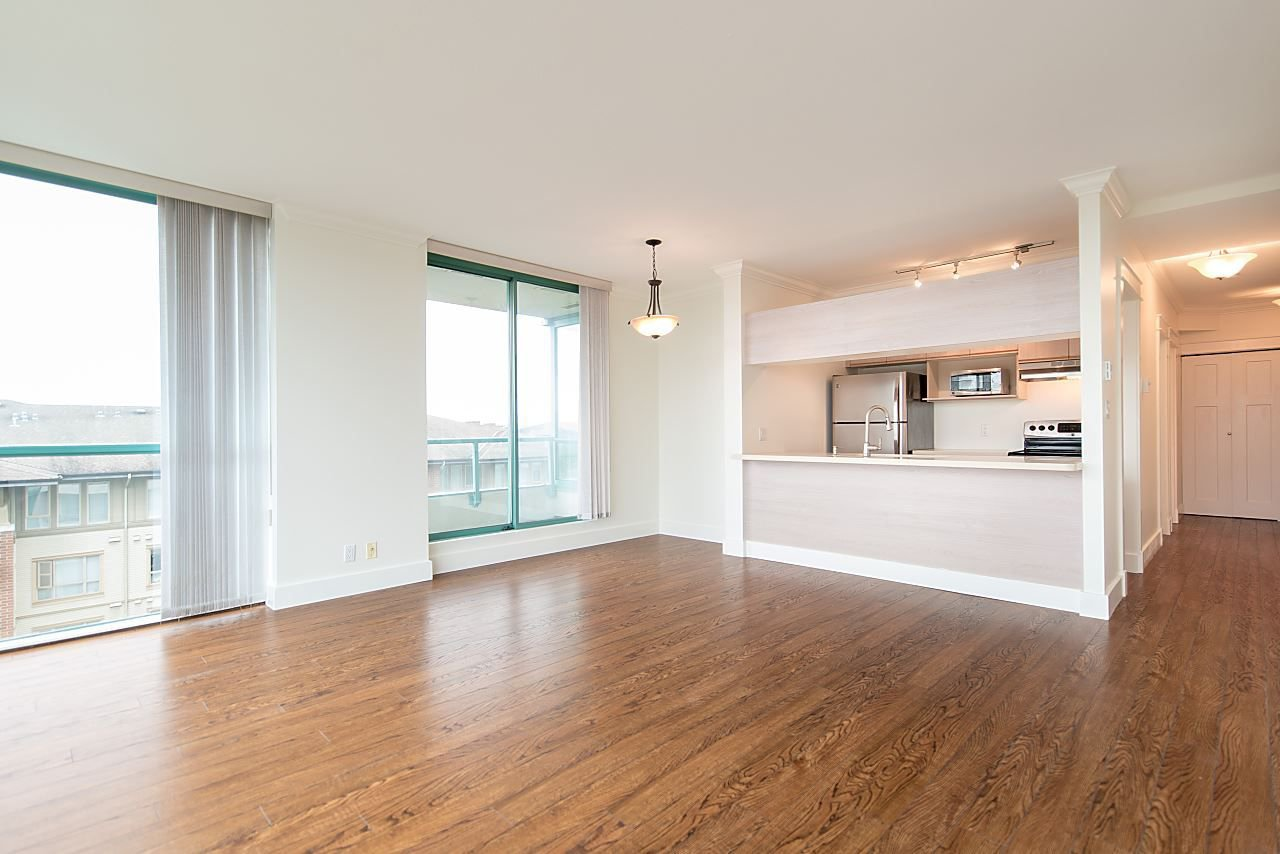 """Photo 4: Photos: 602 8871 LANSDOWNE Road in Richmond: Brighouse Condo for sale in """"Centre Pointe"""" : MLS®# R2254811"""