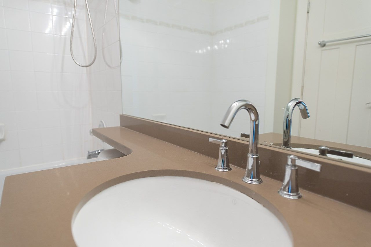 """Photo 12: Photos: 602 8871 LANSDOWNE Road in Richmond: Brighouse Condo for sale in """"Centre Pointe"""" : MLS®# R2254811"""
