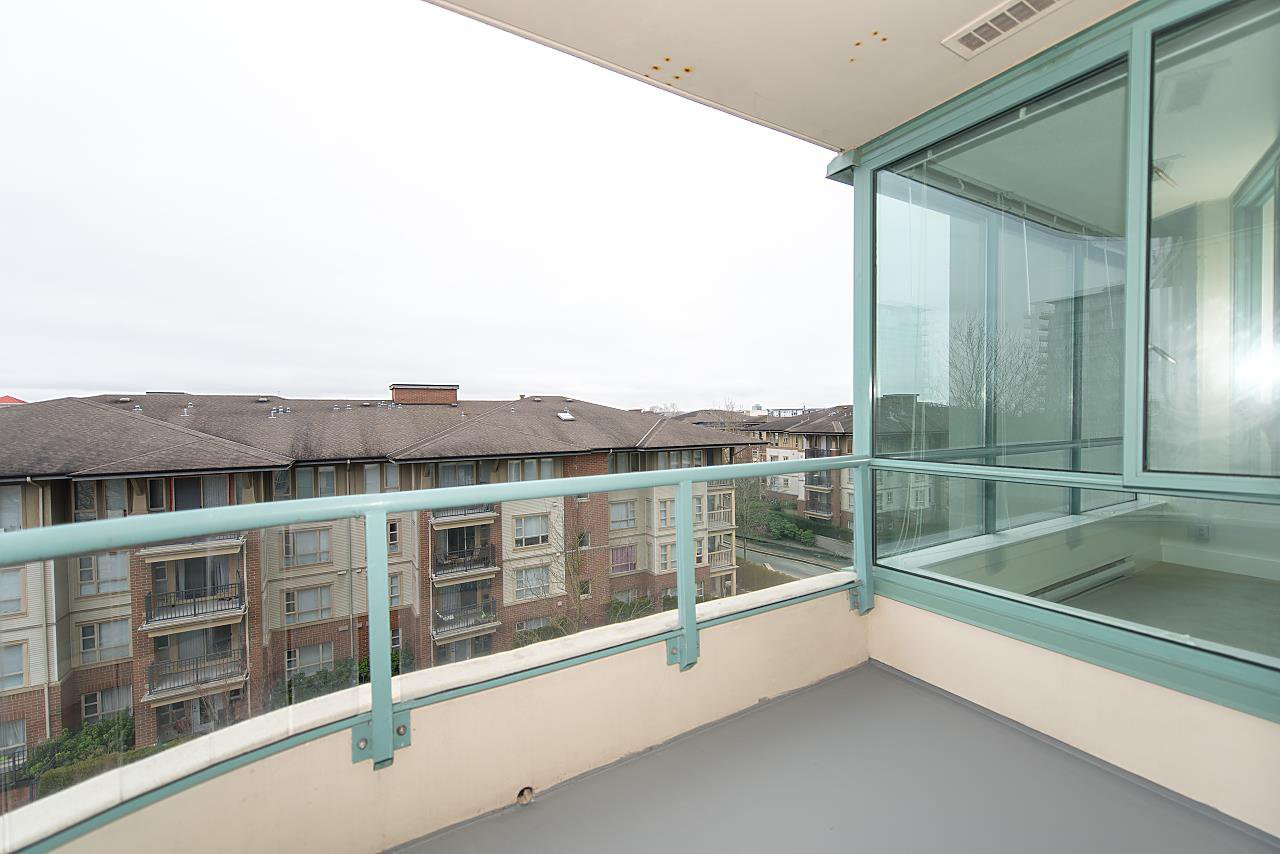 """Photo 15: Photos: 602 8871 LANSDOWNE Road in Richmond: Brighouse Condo for sale in """"Centre Pointe"""" : MLS®# R2254811"""