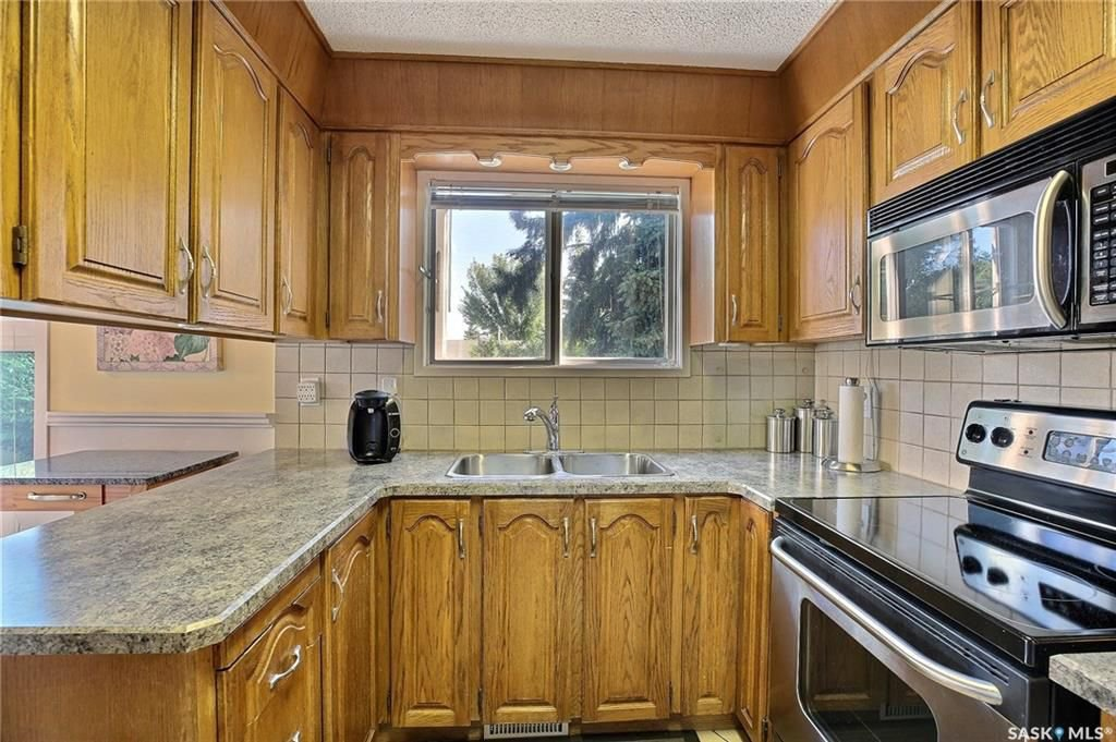 Photo 9: Photos: 63 Tremaine Avenue in Regina: Walsh Acres Residential for sale : MLS®# SK740824