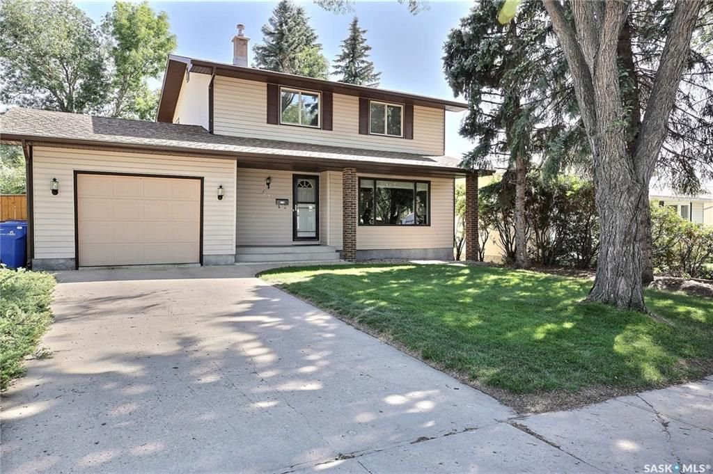Photo 2: Photos: 63 Tremaine Avenue in Regina: Walsh Acres Residential for sale : MLS®# SK740824