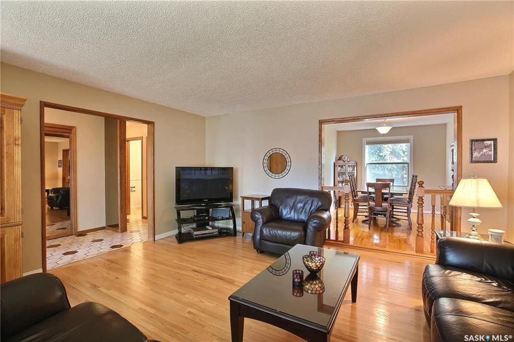 Photo 5: Photos: 63 Tremaine Avenue in Regina: Walsh Acres Residential for sale : MLS®# SK740824
