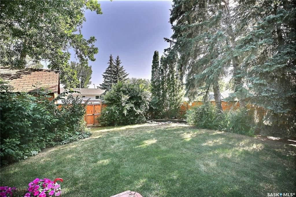 Photo 36: Photos: 63 Tremaine Avenue in Regina: Walsh Acres Residential for sale : MLS®# SK740824