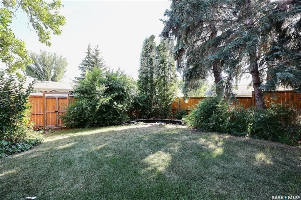 Photo 32: Photos: 63 Tremaine Avenue in Regina: Walsh Acres Residential for sale : MLS®# SK740824