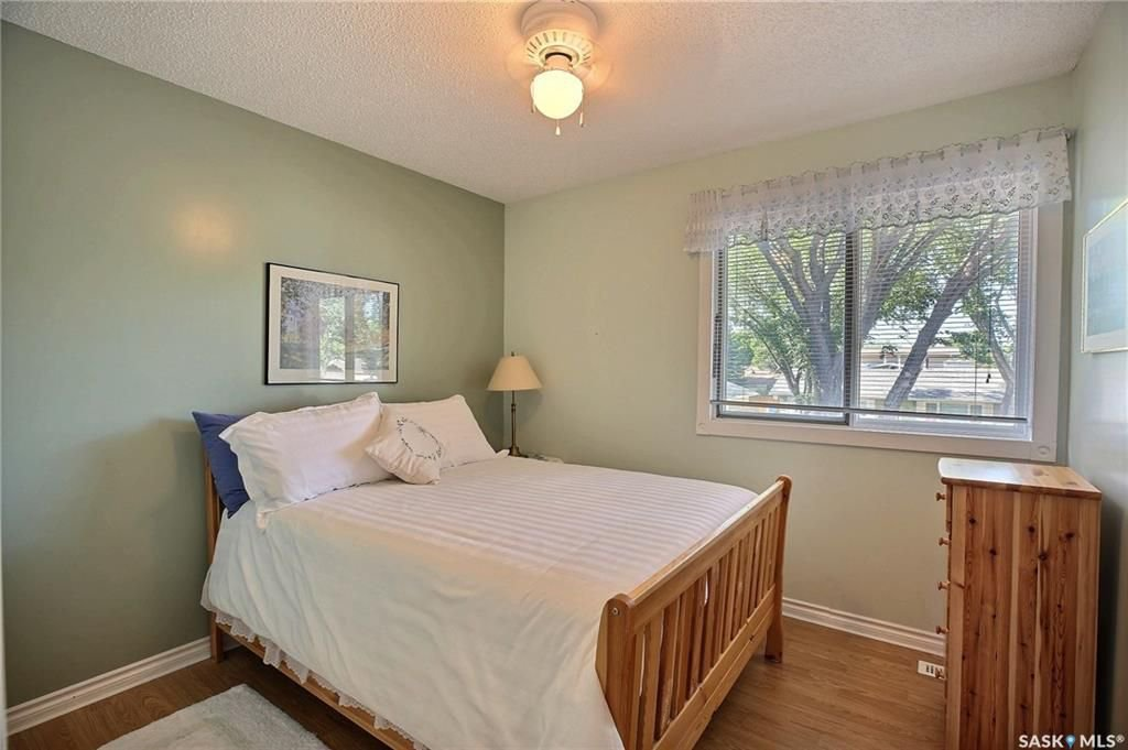 Photo 16: Photos: 63 Tremaine Avenue in Regina: Walsh Acres Residential for sale : MLS®# SK740824