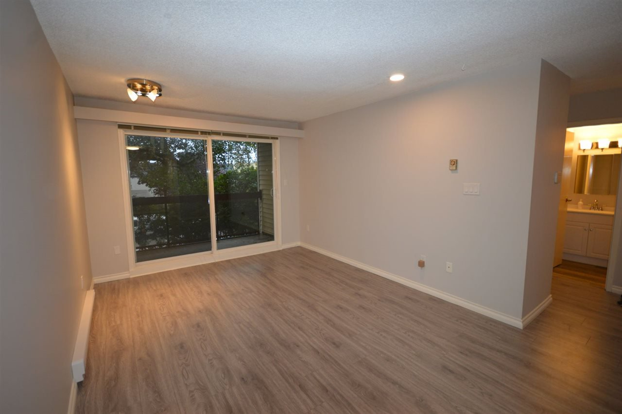 "Photo 11: Photos: 211 1429 E 4TH Avenue in Vancouver: Grandview Woodland Condo for sale in ""SANDCASTLE VILLA"" (Vancouver East)  : MLS®# R2411349"
