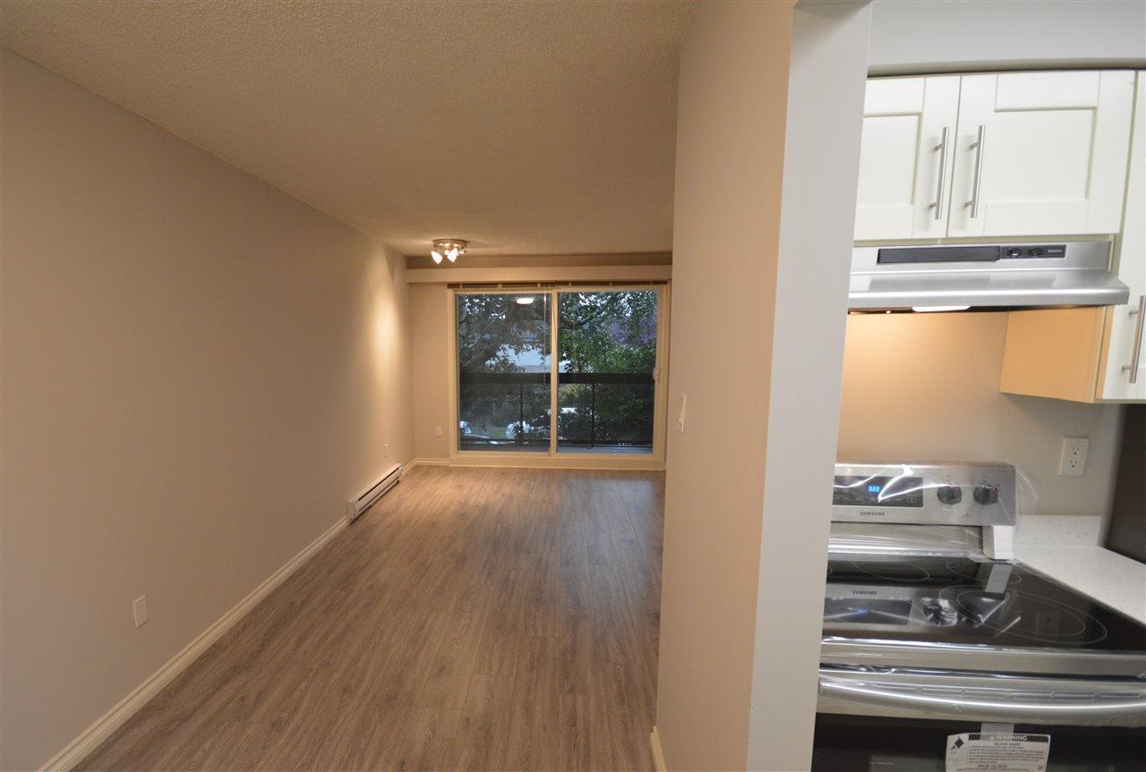 "Photo 9: Photos: 211 1429 E 4TH Avenue in Vancouver: Grandview Woodland Condo for sale in ""SANDCASTLE VILLA"" (Vancouver East)  : MLS®# R2411349"