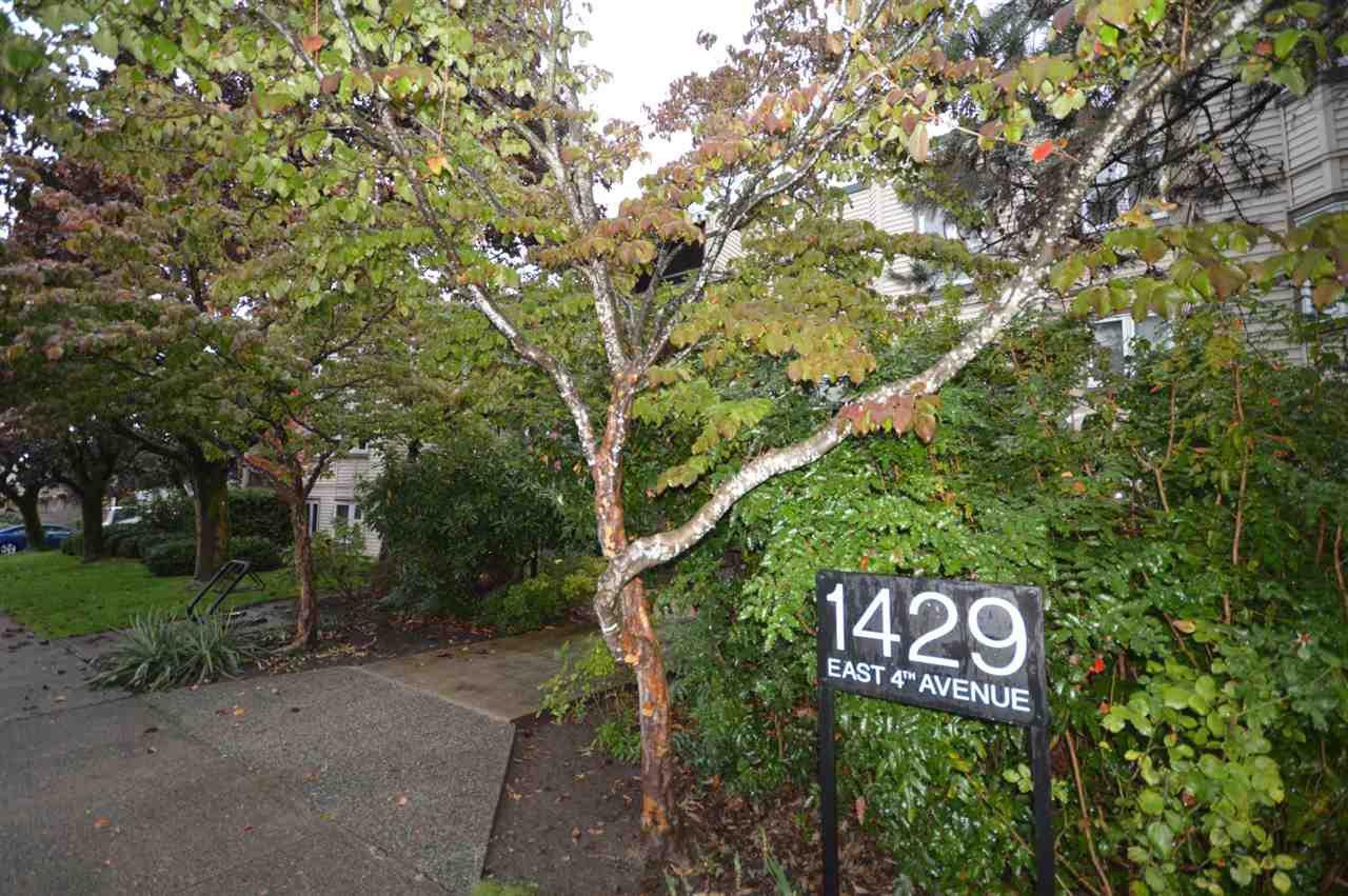 "Photo 2: Photos: 211 1429 E 4TH Avenue in Vancouver: Grandview Woodland Condo for sale in ""SANDCASTLE VILLA"" (Vancouver East)  : MLS®# R2411349"