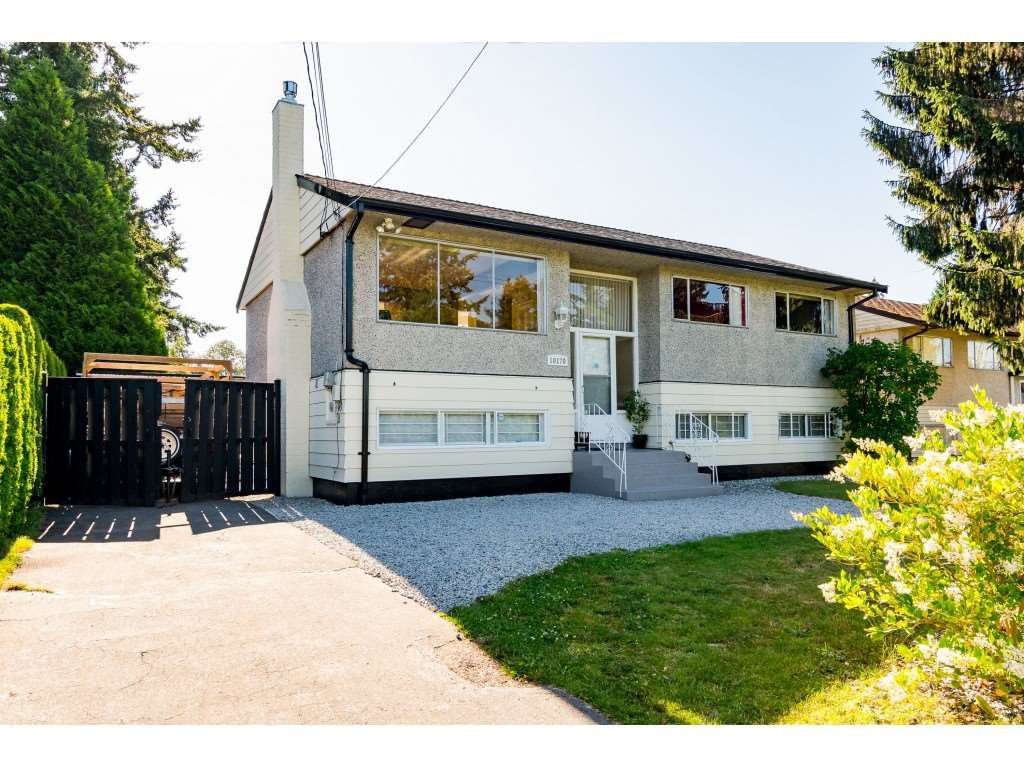 "Main Photo: 10170 127 Street in Surrey: Cedar Hills House for sale in ""ST HELENS PARK"" (North Surrey)  : MLS®# R2474944"