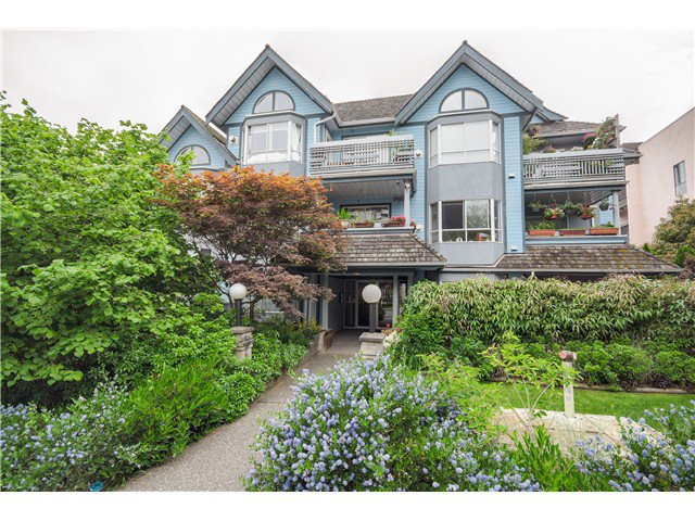 Main Photo: 303 1729 E GEORGIA Street in Vancouver: Hastings Condo for sale (Vancouver East)  : MLS®# V1070713