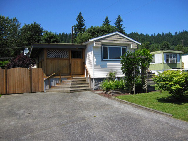 """Main Photo: 22 9960 WILSON Road in Mission: Mission-West Manufactured Home for sale in """"RUSKIN PLACE"""" : MLS®# F1415955"""