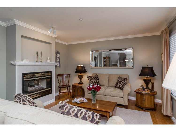 """Photo 3: Photos: 2 20875 88 Avenue in Langley: Walnut Grove Townhouse for sale in """"TERRACE PARK"""" : MLS®# F1450324"""