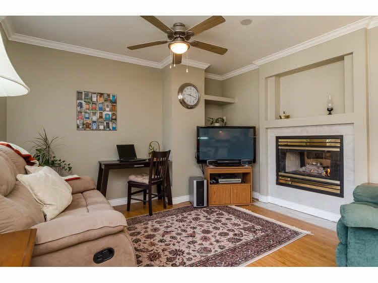 """Photo 10: Photos: 2 20875 88 Avenue in Langley: Walnut Grove Townhouse for sale in """"TERRACE PARK"""" : MLS®# F1450324"""