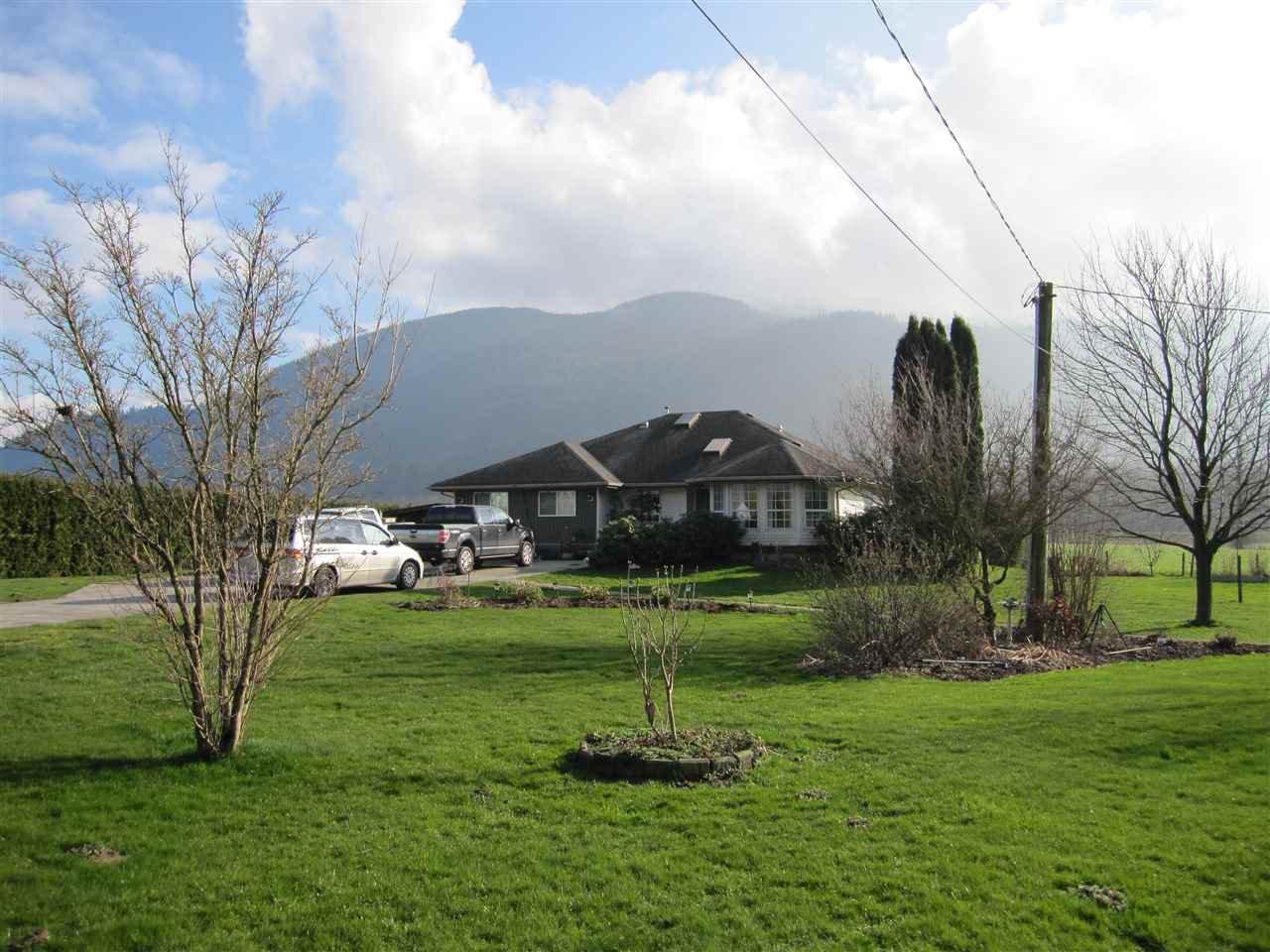 Main Photo: 38806 NICOMEN ISLAND TRUNK Road in Mission: Dewdney Deroche House for sale : MLS®# R2041213