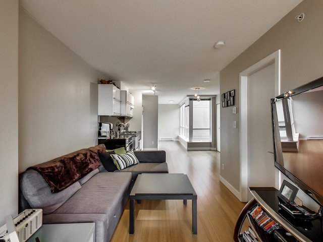 "Main Photo: 606 718 MAIN Street in Vancouver: Mount Pleasant VE Condo for sale in ""GINGER"" (Vancouver East)  : MLS®# R2043666"