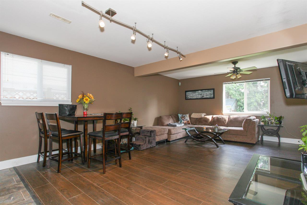 Photo 14: Photos: 23840 114A Avenue in Maple Ridge: Cottonwood MR House for sale : MLS®# R2090697