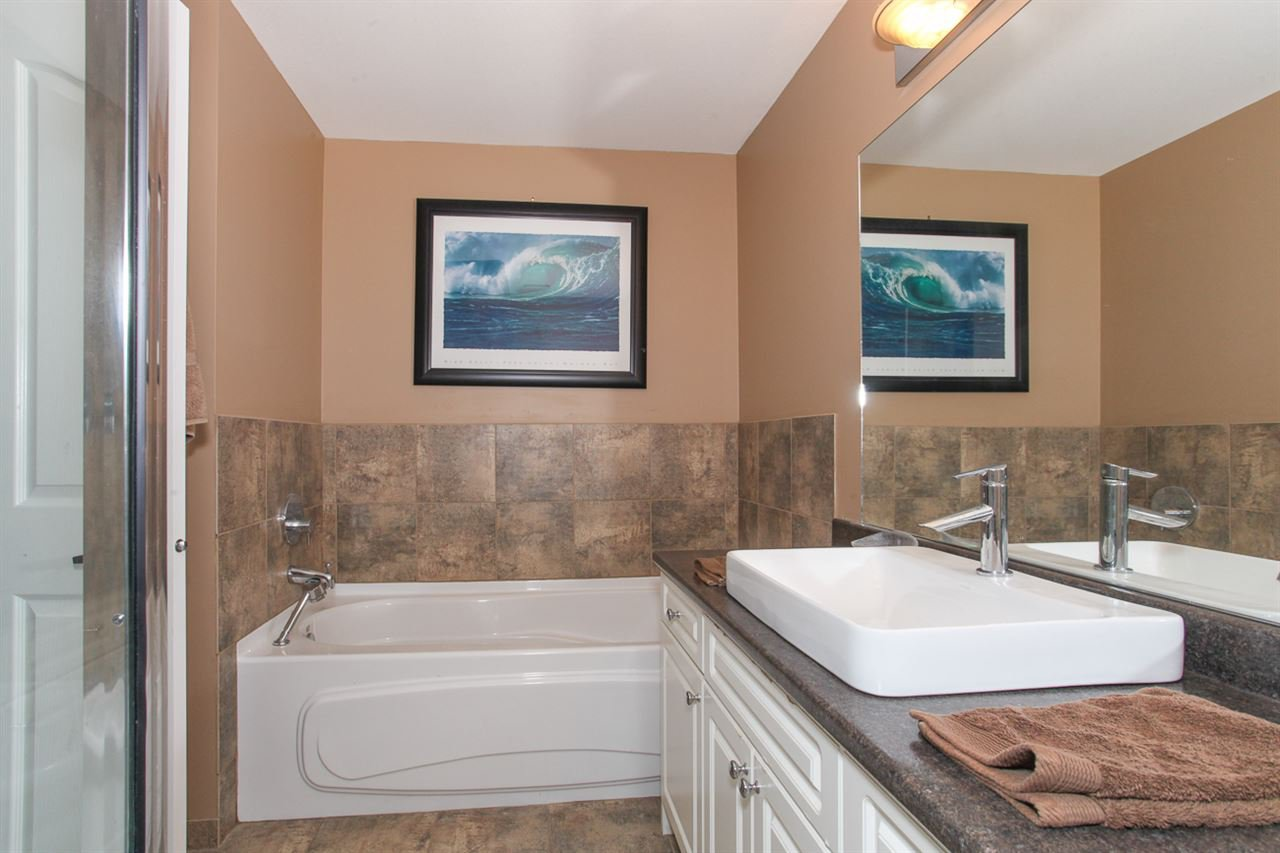 Photo 9: Photos: 23840 114A Avenue in Maple Ridge: Cottonwood MR House for sale : MLS®# R2090697