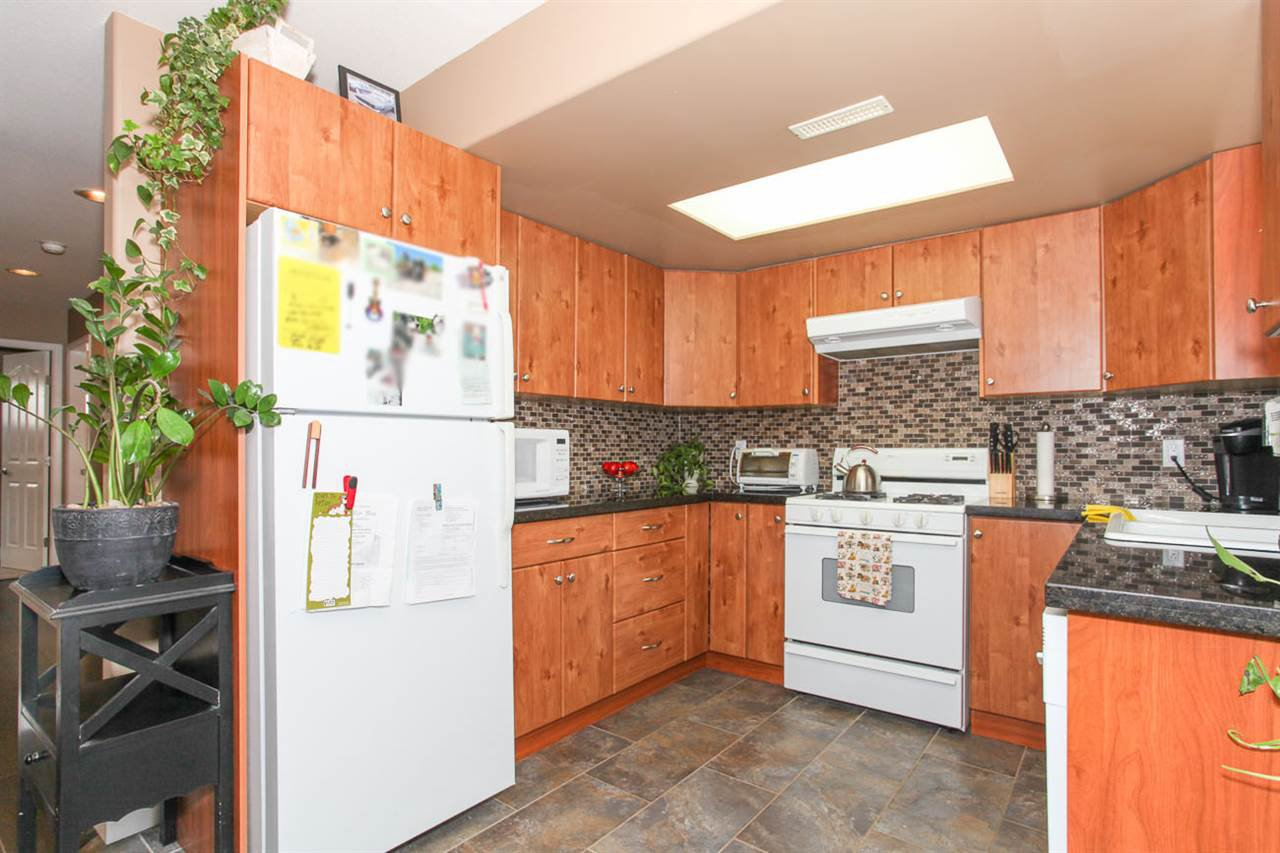 Photo 15: Photos: 23840 114A Avenue in Maple Ridge: Cottonwood MR House for sale : MLS®# R2090697