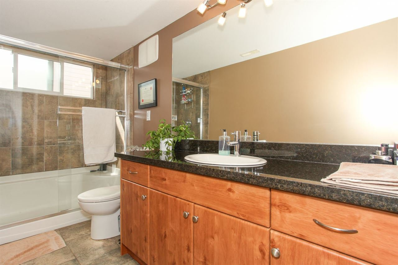 Photo 18: Photos: 23840 114A Avenue in Maple Ridge: Cottonwood MR House for sale : MLS®# R2090697