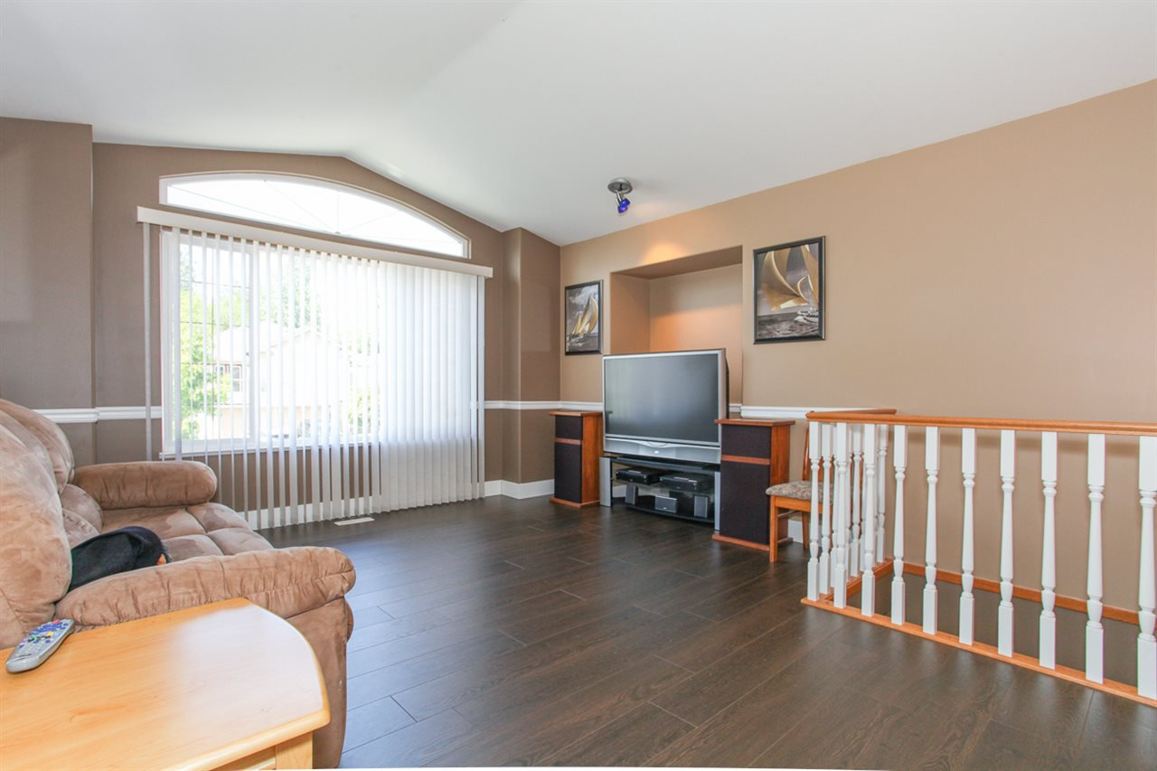 Photo 3: Photos: 23840 114A Avenue in Maple Ridge: Cottonwood MR House for sale : MLS®# R2090697