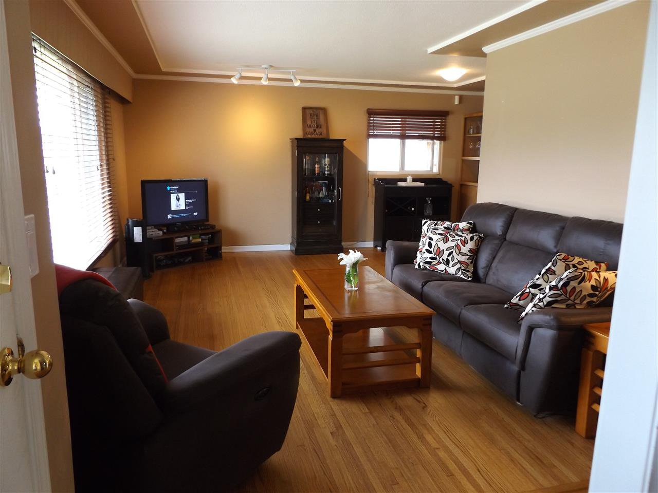 Photo 10: Photos: 46615 FRASER Avenue in Chilliwack: Chilliwack E Young-Yale House for sale : MLS®# R2178819