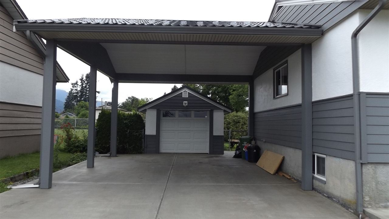 Photo 2: Photos: 46615 FRASER Avenue in Chilliwack: Chilliwack E Young-Yale House for sale : MLS®# R2178819