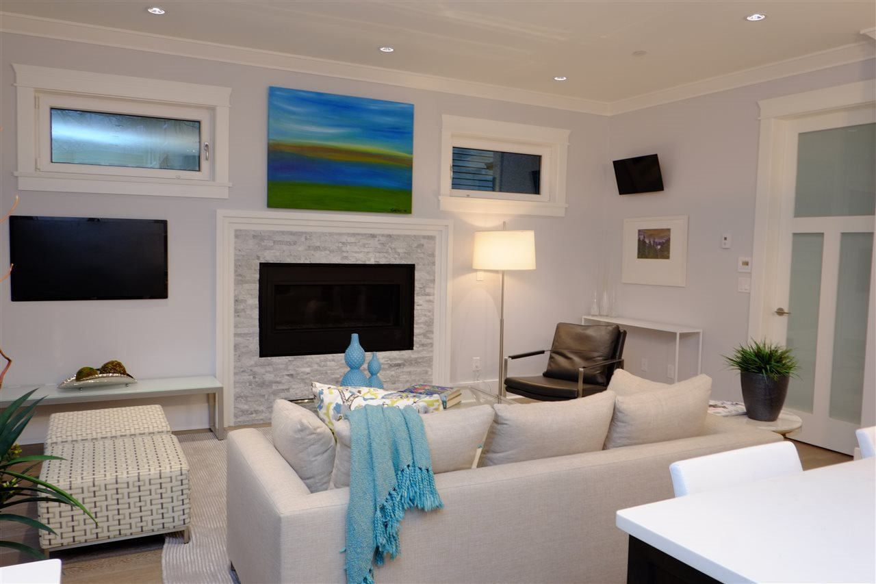 Photo 4: Photos: 4333 KEVIN Place in Vancouver: Dunbar House for sale (Vancouver West)  : MLS®# R2200814