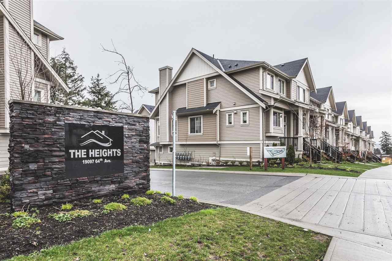"Main Photo: 32 19097 64 Avenue in Surrey: Cloverdale BC Townhouse for sale in ""The Heights"" (Cloverdale)  : MLS®# R2231144"