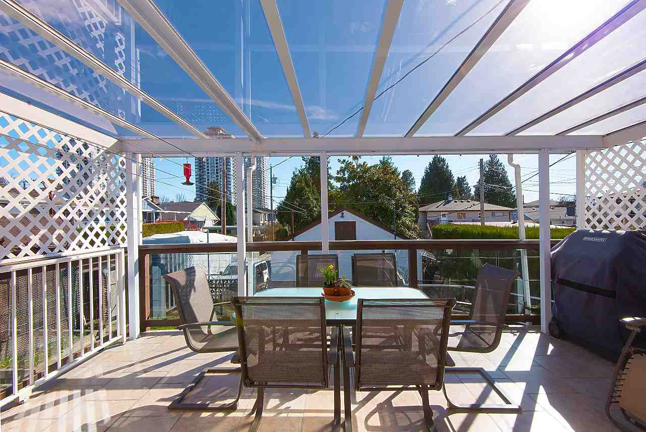 Photo 11: Photos: 7062 HALLIGAN Street in Burnaby: Highgate House for sale (Burnaby South)  : MLS®# R2249715