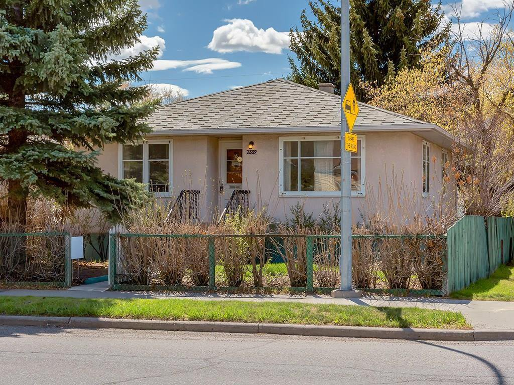 Main Photo: 2339 5 Avenue NW in Calgary: West Hillhurst Residential for sale : MLS®# C4183647