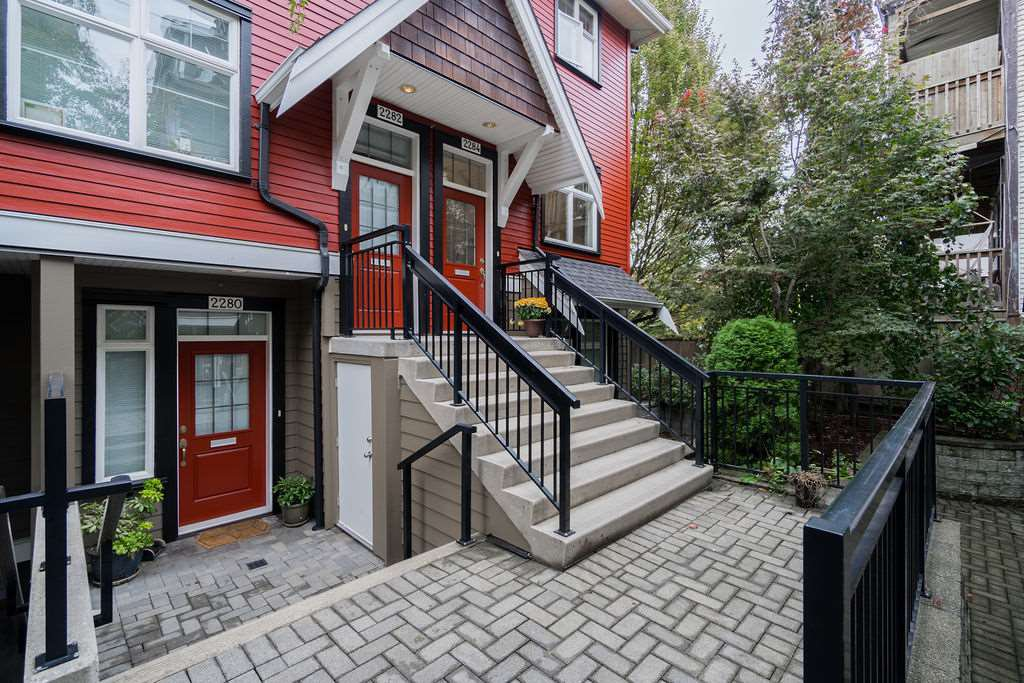 "Main Photo: 2284 ST. GEORGE Street in Vancouver: Mount Pleasant VE Townhouse for sale in ""VANTAGE"" (Vancouver East)  : MLS®# R2313489"