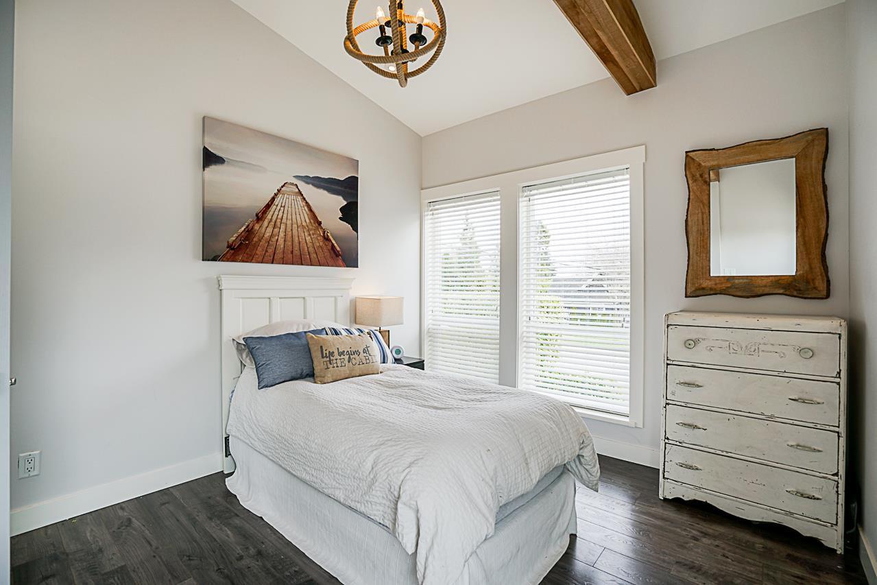Photo 9: Photos: 1185 HABGOOD Street: White Rock House for sale (South Surrey White Rock)  : MLS®# R2317977