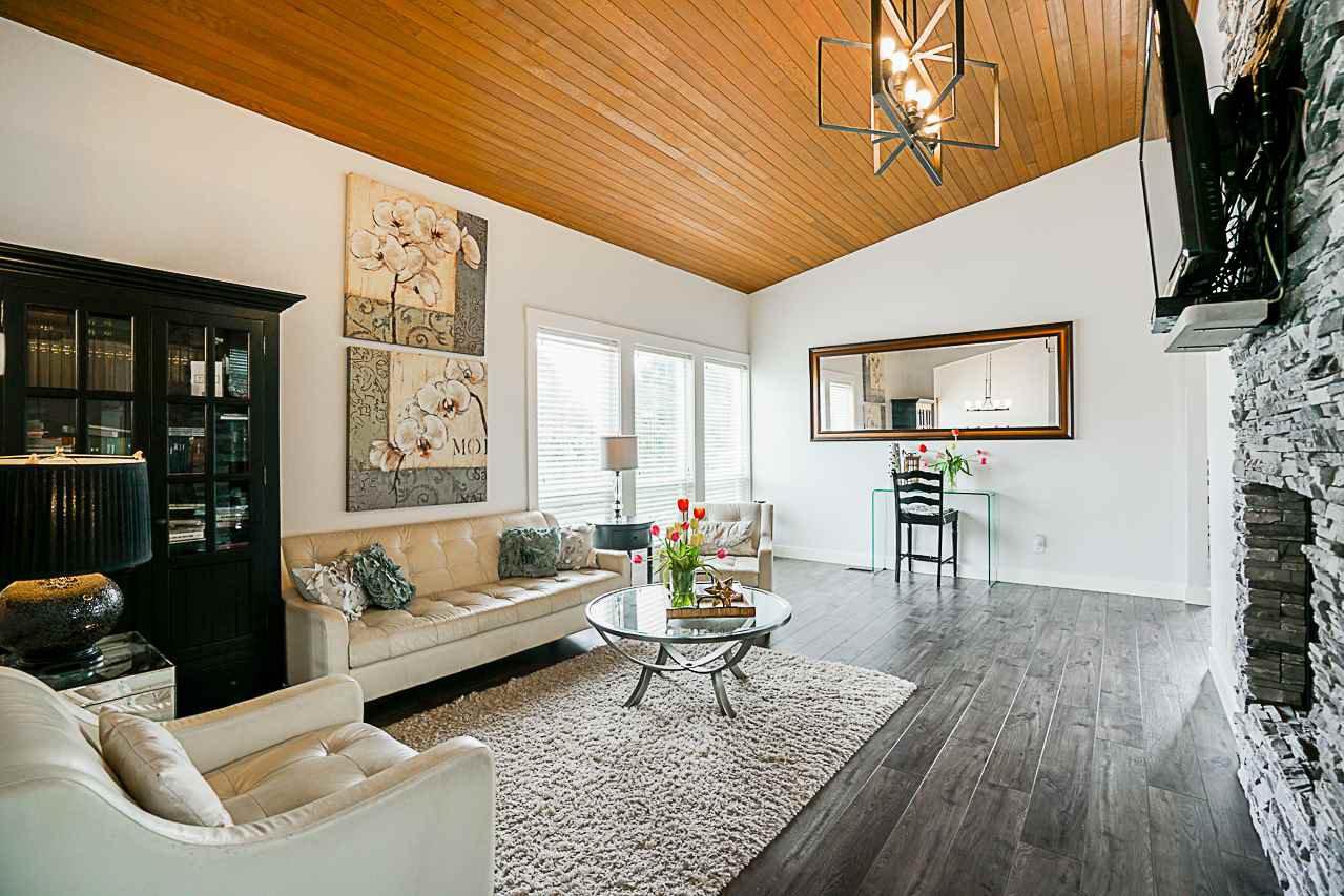 Photo 2: Photos: 1185 HABGOOD Street: White Rock House for sale (South Surrey White Rock)  : MLS®# R2317977