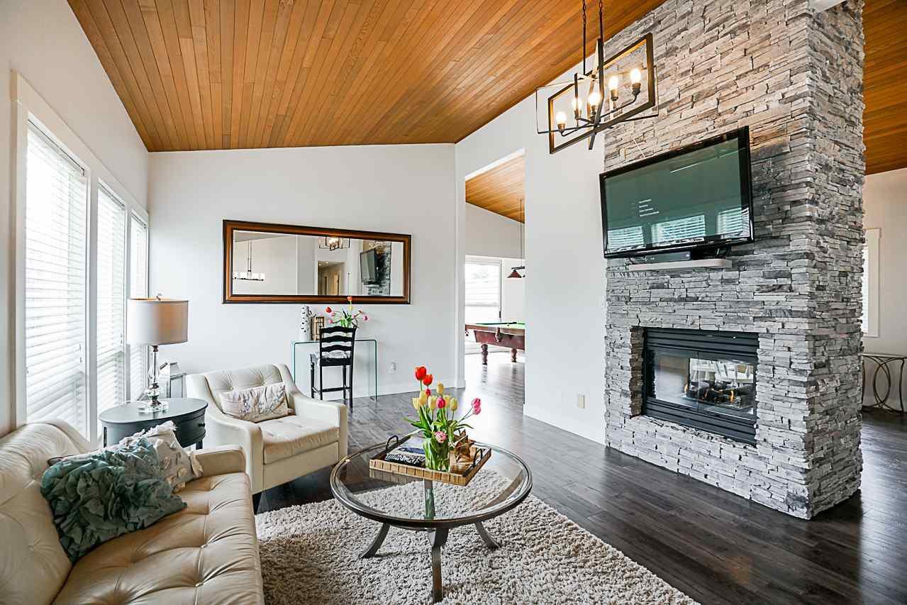 Photo 3: Photos: 1185 HABGOOD Street: White Rock House for sale (South Surrey White Rock)  : MLS®# R2317977