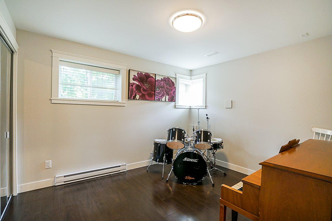 Photo 19: Photos: 1185 HABGOOD Street: White Rock House for sale (South Surrey White Rock)  : MLS®# R2317977