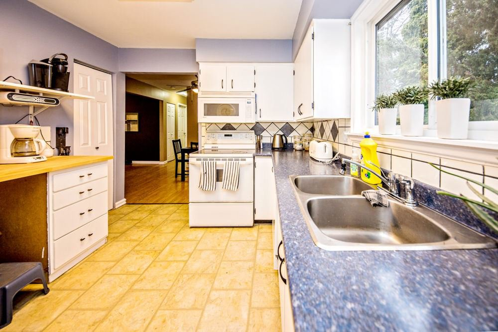 Photo 6: Photos: 32465 MARSHALL Road in Abbotsford: Abbotsford West House for sale : MLS®# R2327473