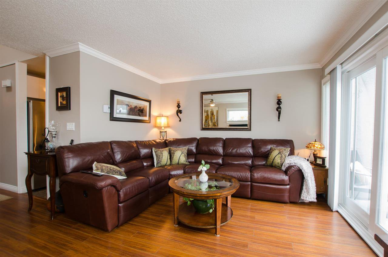 """Main Photo: 4846 TURNBUCKLE Wynd in Delta: Ladner Elementary Townhouse for sale in """"HARBOURSIDE"""" (Ladner)  : MLS®# R2351171"""