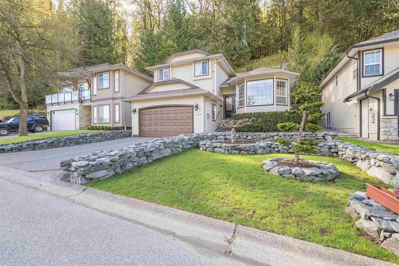Main Photo: 47539 CHARTWELL Drive in Chilliwack: Little Mountain House for sale : MLS®# R2359786