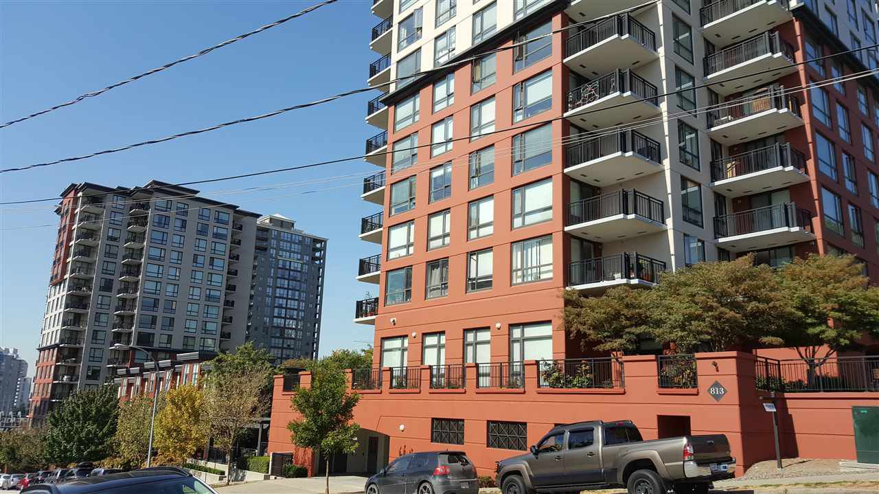"""Main Photo: 904 813 AGNES Street in New Westminster: Downtown NW Condo for sale in """"THE NEWS"""" : MLS®# R2375762"""