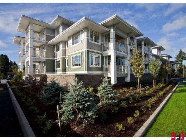 """Main Photo: 219 46262 FIRST Avenue in Chilliwack: Chilliwack E Young-Yale Condo for sale in """"THE SUMMIT"""" : MLS®# R2382952"""