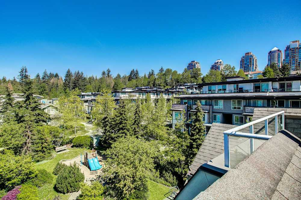 "Main Photo: 61 7488 SOUTHWYNDE Avenue in Burnaby: South Slope Townhouse for sale in ""Ledgestone 1"" (Burnaby South)  : MLS®# R2384414"